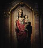 Statue  de la Vierge…
